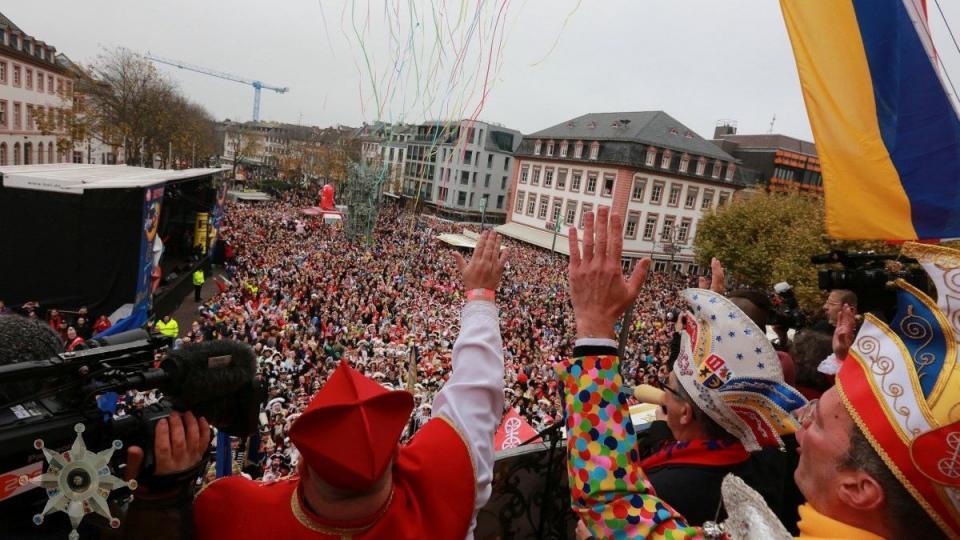 Mainz feiert die Narrenzahl Elf