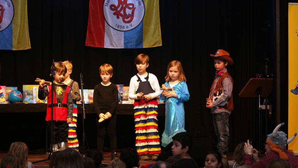 Klepperwettbewerb mit großem Kindermaskenfest
